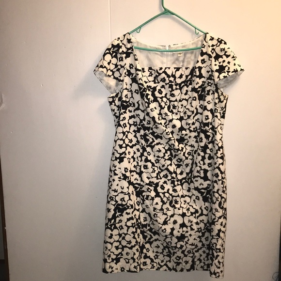 🖤🖤Cold water Creek Black & white Floral Dress